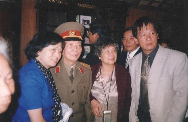 Đại tướng Võ Nguyên Giáp cùng gia đình tại quê nhà – An Xá, Lệ Thủy, Quảng Bình