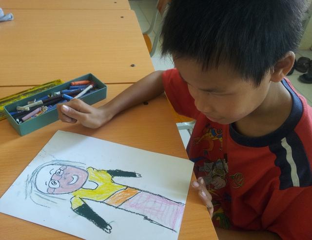 Bức chân dung Đại tướng Võ Nguyên Giáp trong trí tưởng tượng của trẻ em mù!