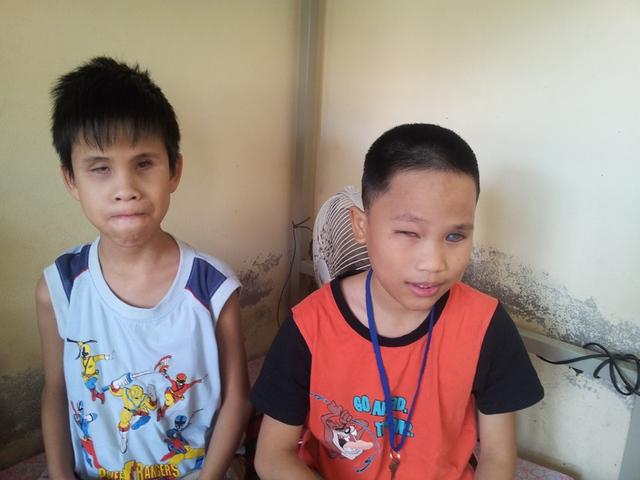 cậu bé khiếm thị Đỗ Trung Minh (10 tuổi) bảo đã từng mơ thấy Đại tướng về thăm trường Nguyễn Đình Chiểu.