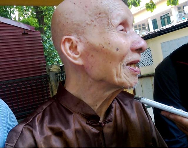 """Cụ già 100 tuổi: """"Thăm"""" bác Giáp lần cuối là tôi mãn nguyện rồi!"""