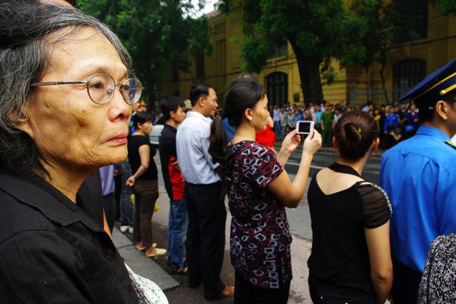 Cụ Lê Thị Tuyết Minh ngậm ngùi chia sẻ :