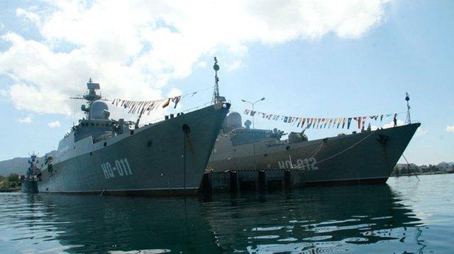 Hai tàu lớn nhất của Việt Nam lớp Gepard 3.9 lượng giãn nước 2.100 tấn được trang bị 8 tên lửa Kh-35E.