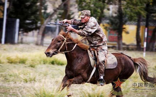 Hiện TQ là quốc gia duy nhất vẫn duy trì đội quân kỵ mã để phục vụ trực tiếp trong quân đội mà không mang tính chất biểu diễn, đây được xem là điều độc đáo của quân đội nước này.
