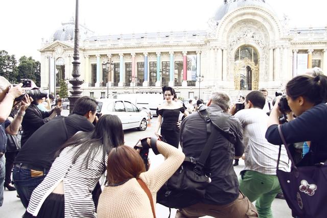 Diễn viên Châu Tấn nhợt nhạt đứng cạnh Lý Nhã Kỳ