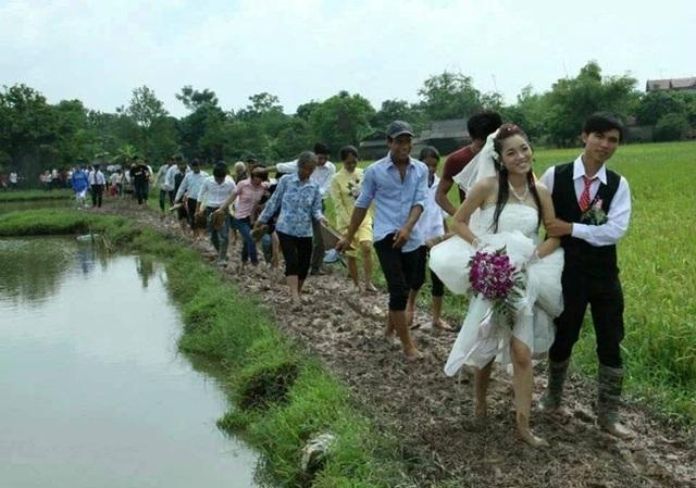 Hình ảnh đám cưới gây sốt cộng đồng mạng.