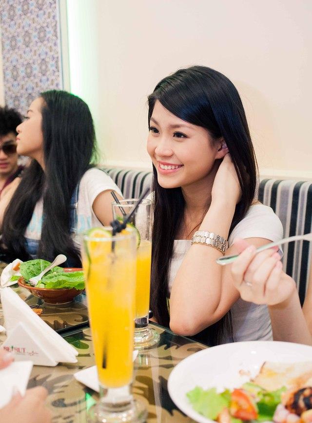 Hot girl Xuân Mai xuất hiện sau thời dan dài im ắng