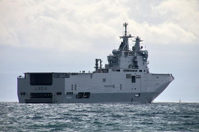 Phải mua tàu đổ bộ Mistral của Pháp là dấu hiệu cho thấy sự tụt hậu về một số lĩnh vực công nghệ quân sự của Nga