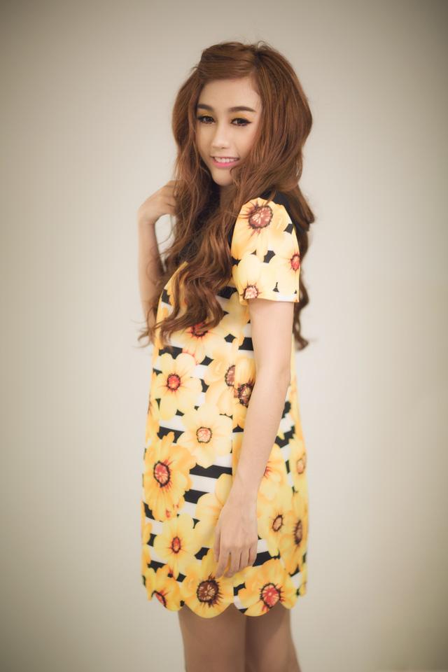 Hot girl Quỳnh Nhi xinh như búp bê trong khoảnh khắc cuối thu