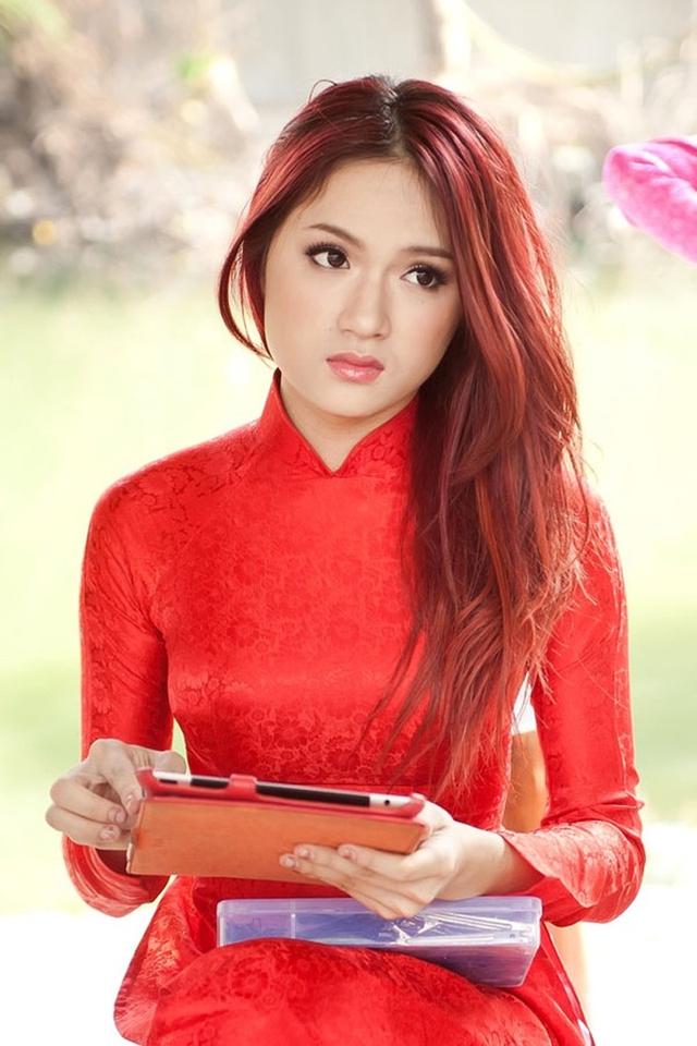 Ca sĩ Hương Giang Idol.