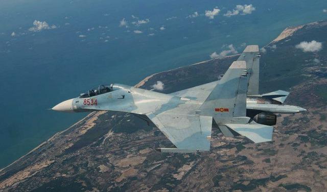 Không quân là lực lượng chính đảm nhận ngăn chặn các cuộc tấn công đường không từ hướng biển