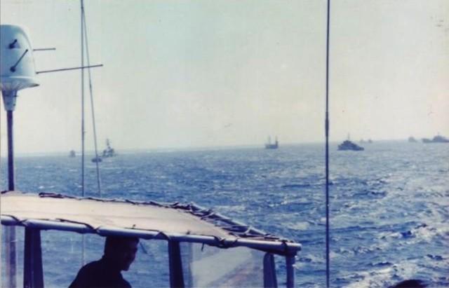Tàu chiến của Hạm đội Nam Hải kéo xuống Trường Sa