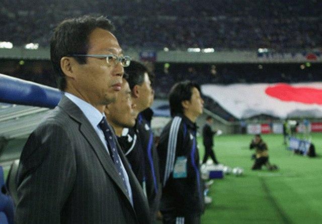 Takeshi Okada, ĐTVN, VFF, lương bèo