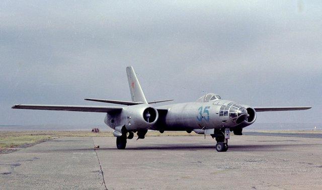 Máy bay ném bom IL-28