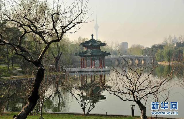 Điếu Ngư Đài từng là nơi các Hoàng đế Trung Hoa lui tới nghỉ ngơi, thư giãn. Vua Kim Tông thời xưa đặc biệt thích tới đây để câu cá.