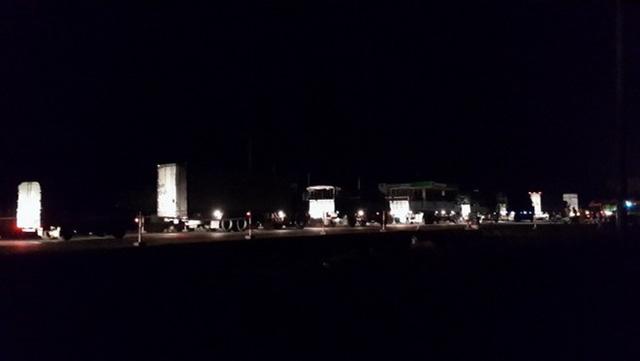 Từ 2g sáng, hàng dài xe cộ nối đuôi nhau làm tê liệt 20km trên quốc lộ 1 tại Bình Thuận.