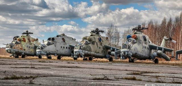 Những chiếc trực thăng tại đây đều phần lớn đều đã xuống cấp trầm trọng do phơi sương, gió ngoài trời