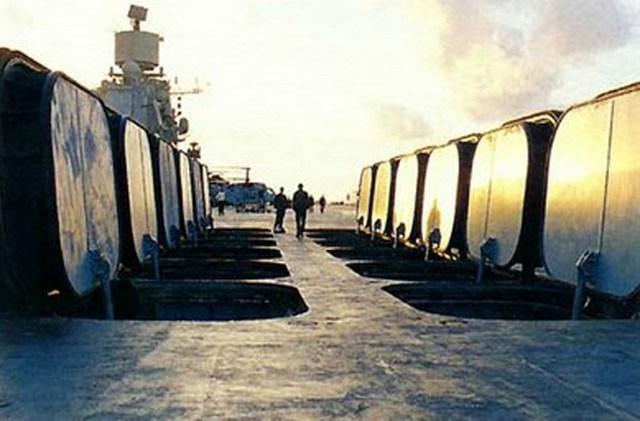 Các ống phóng P-700 trên boong tàu sân bay Đô đốc Kuznetsov