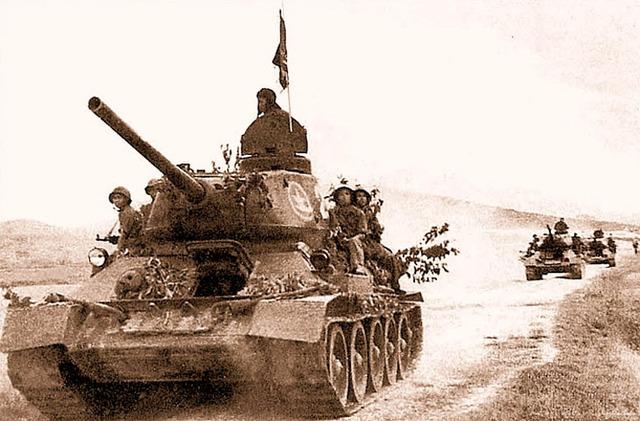 Huấn luyện bộ binh cơ giới cùng xe tăng