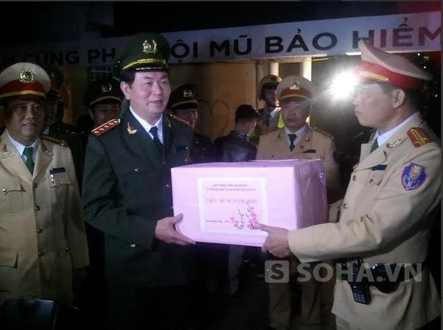 Món quà đầu Xuân, Đại tướng tặng cho tổ công tác