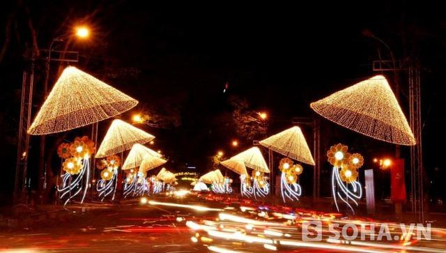 Đường phố được trang trí lộng lẫy trong những ngày lễ lớn của đất nước