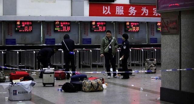 Hiện trường vụ tấn công đẫm máu ở nhà ga Côn Minh khiến hơn 100 người thương vong