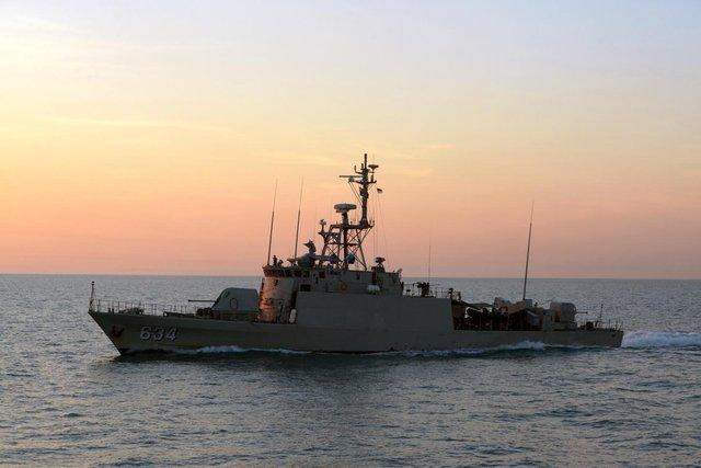 Trong ảnh là tàu tên lửa cao tốc lớp Todak. Đây vốn là các tàu pháo tuần tra lớp Lurssen PB 57 Variant V được Indonesia hoán cải thành tàu tên lửa