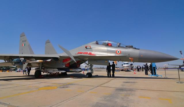 Sắp tới, Ấn Độ sẽ hỗ trợ huấn luyện lái Su-30 cho phi công của Không quân nhân dân Việt Nam và như vậy các phi công Việt Nam sẽ sớm được vận hành trực tiếp loại máy bay hiện đại này.