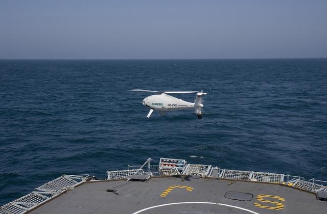 Camcopter S-100 có khối lượng cất cánh tối đa 200kg, thời gian hoạt động tối đa 6 giờ. tốc độ tối đa 200km/giờ, trần bay 5.500m, máy bay có thể trang bị các thiết bị trinh sát, camera hồng ngoại, ảnh nhiệt khác nhau tùy vào yêu cầu của khách hàng.