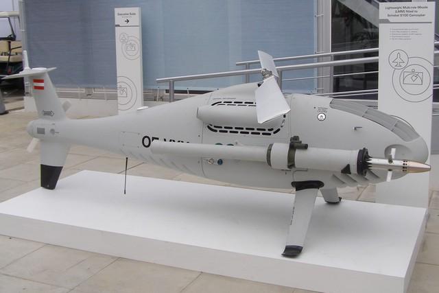 Camcopter S-100 có thể mang theo 2 tên lửa hạng nhẹ