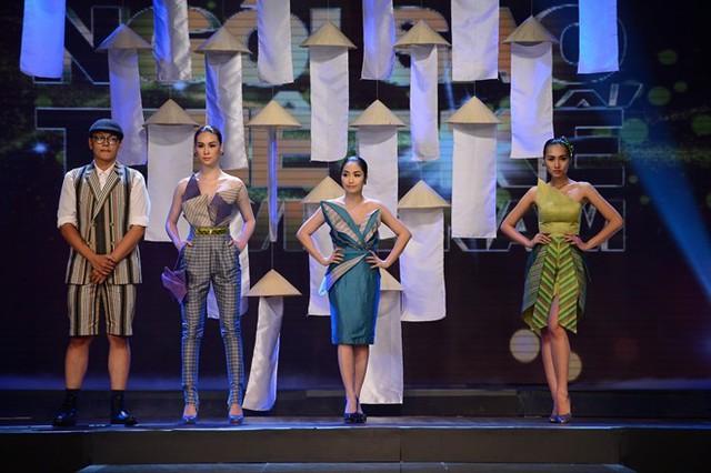 Đứng cạnh những người mẫu mới thấy Ốc Thanh Vân cũng chỉ
