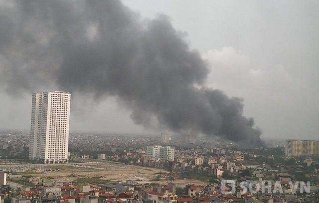 Cột cháy cao khổng lồ