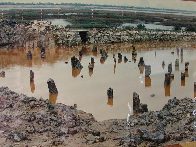 Bãi cọc Bạch Đằng ngày nay là chứng tích về truyền thống hào hùng chống giặc ngoại xâm của dân tộc Việt Nam