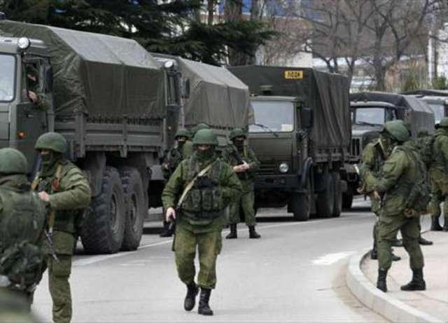 Lính Nga tiến vào Crimea