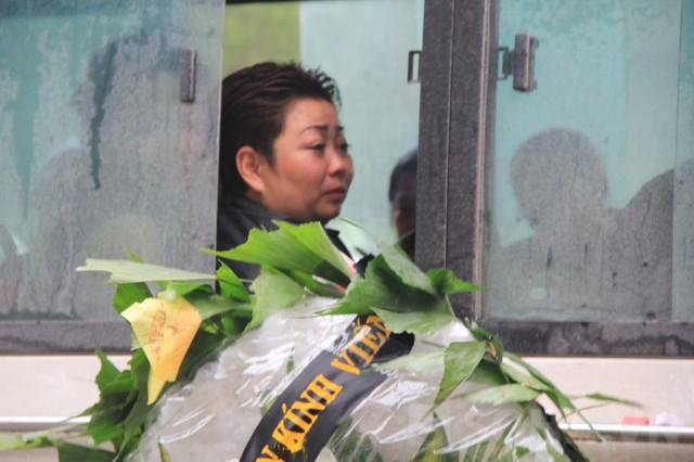 Giọt nước mắt buồn thương của người thân khi đưa tiễn Lộc về nơi an nghỉ cuối cùng