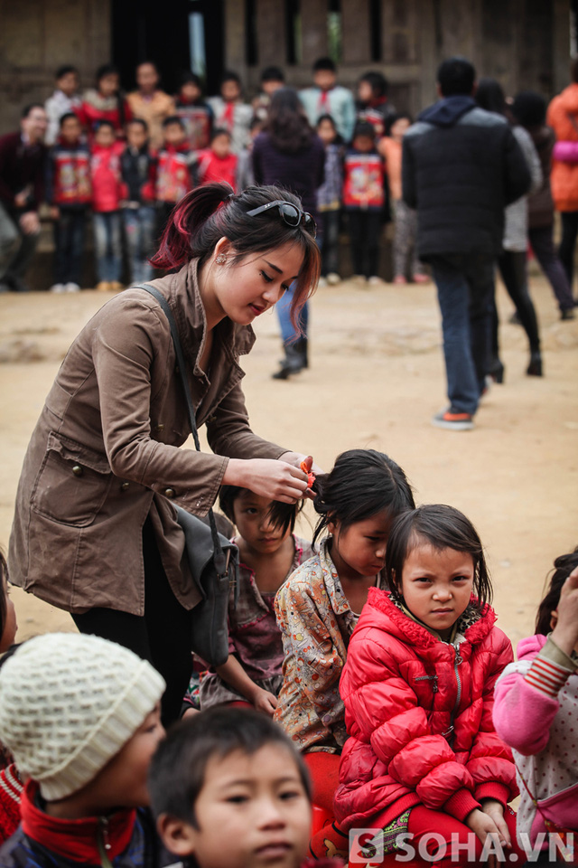 Ân cần và thân thiện là những gì những đứa trẻ nơi đây cảm nhận được ở Diễm Hằng.