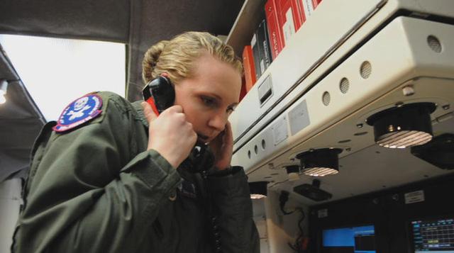 Hệ thống điện thoại tại trung tâm cổ lỗ tới mức khó có thể nghe thấy người ở đầu dây bên kia nói gì