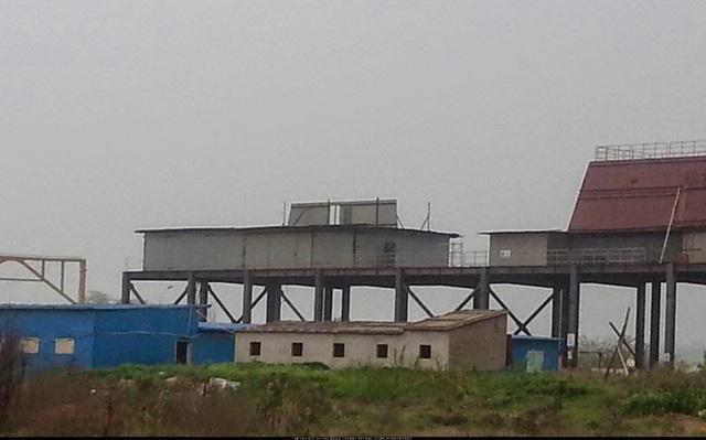 Một số ý kiến cho rằng đây có thể là sàn đáp trực thăng hoặc vị trí đặt radar L-Band của con tàu. Ảnh: China Defense Blog