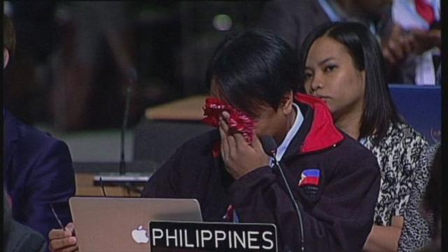 Ông Yeb Sano không kìm được nước mắt khi phát biểu tại COP 19.