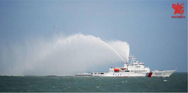 Tăng cường lực lượng trên Biển Đông, Trung Quốc hạ thủy tàu tuần tra khủng - Ảnh 4.