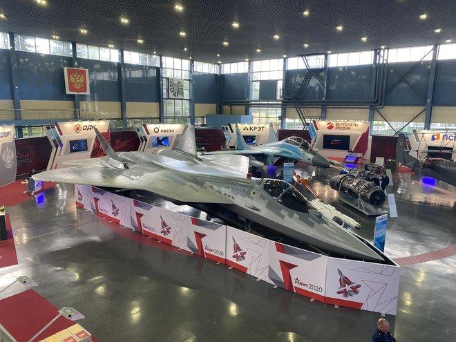 Chuyên gia Mỹ hiến kế giúp tiêm kích tàng hình Nga thoát ế: Lộ diện khách hàng của Su-57 - Ảnh 3.