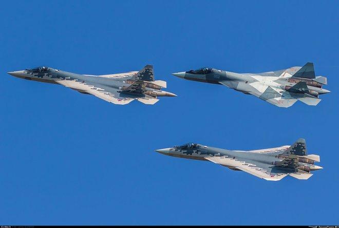 Chuyên gia Mỹ hiến kế giúp tiêm kích tàng hình Nga thoát ế: Lộ diện khách hàng của Su-57 - Ảnh 4.