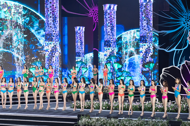 Cận cảnh màn thi bikini nóng bỏng của các thí sinh đẹp nhất, lọt bán kết Hoa hậu VN 2020 - Ảnh 1.