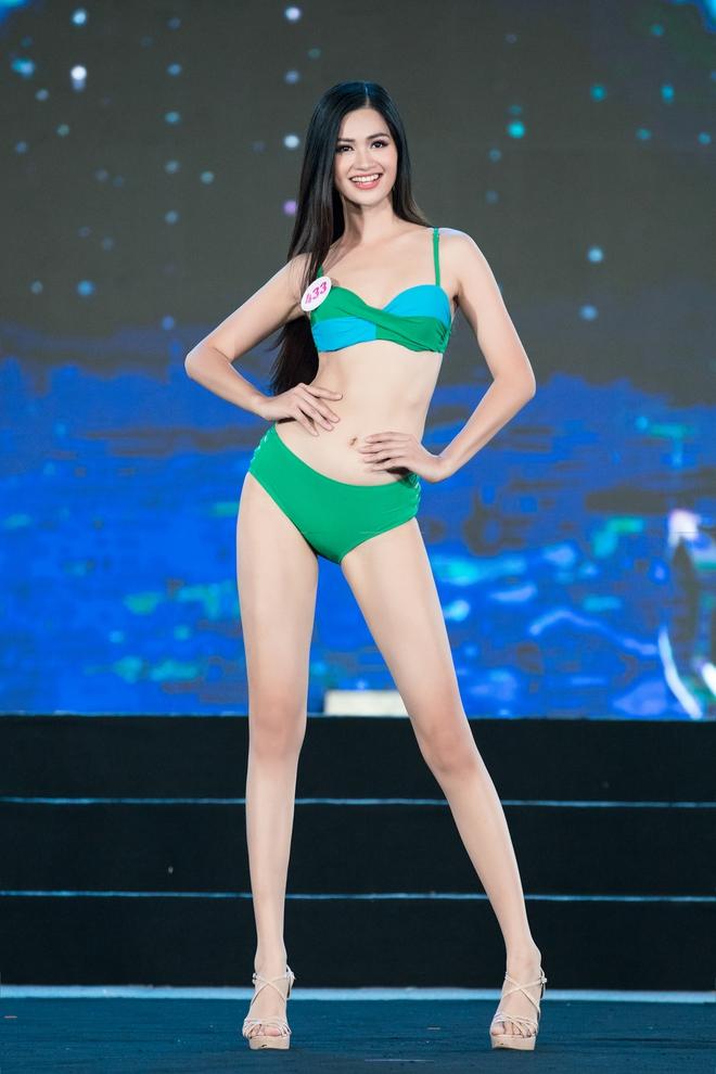 Cận cảnh màn thi bikini nóng bỏng của các thí sinh đẹp nhất, lọt bán kết Hoa hậu VN 2020 - Ảnh 8.
