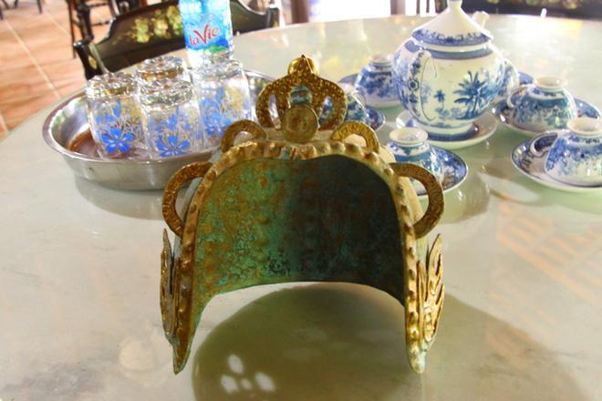 Kho báu hàng trăm món đồ cổ trị giá hàng chục tỷ đồng ở Đồng Tháp - Ảnh 5.