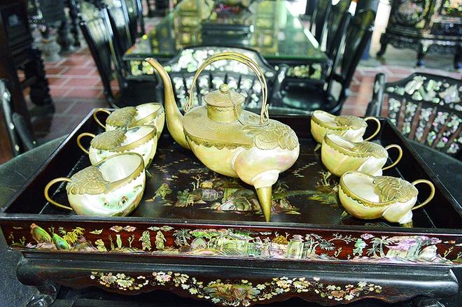 Kho báu hàng trăm món đồ cổ trị giá hàng chục tỷ đồng ở Đồng Tháp - Ảnh 2.