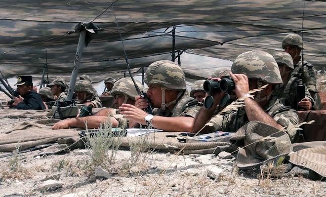 Armenia và Azerbaijan đồng loạt tố đối phương xé bỏ ngừng bắn - Nga sắp hết kiên nhẫn? - Ảnh 1.