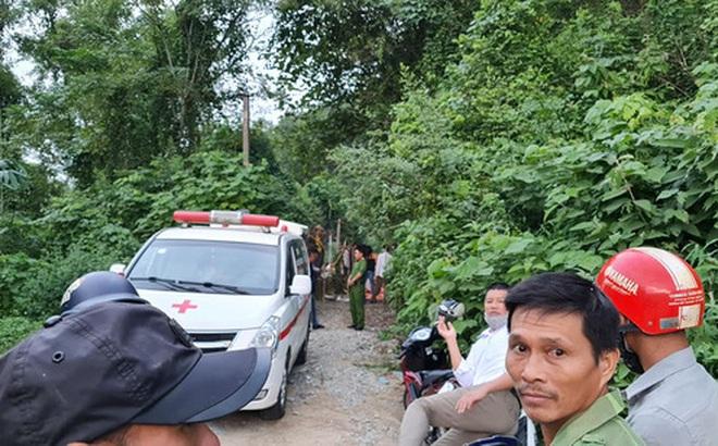 Phát hiện bộ xương người trong rừng keo, nghi là chủ nhân chiếc xe máy vô chủ 1 năm trước