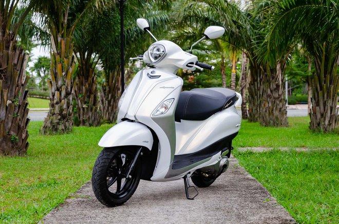 Grande là mẫu xe được thiết kế riêng cho thị trường thành thị với kích thước nhỏ gọn, kiểu dáng thời trang. Xe được trang bị hệ thống ngắt động cơ không ổn định (Stop và Start System) có khả năng tự động ngắt động cơ khi dừng xe và hoạt động lại khi tăng ga, với 2 chế độ đường thông thường và đường đông giúp tiết kiệm nhiên liệu hơn đến 7% trong điều kiện thí điểm của Yamaha.