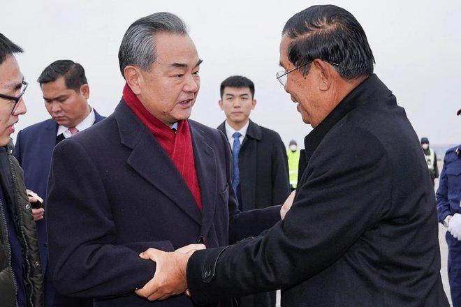 Ngoại trưởng Trung Quốc thăm Campuchia trước những lo ngại của Mỹ về cảng Ream: Thách thức áp lực của Mỹ? - Ảnh 2.