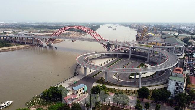 Cận cảnh cây cầu Cánh chim biển của thành phố Hải Phòng - Ảnh 2.